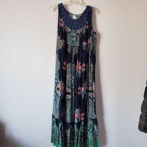 Bila XL Maxi Dress Floral Navy Blue